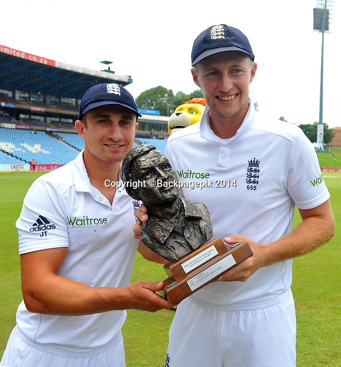 James Taylor and Joe Root of England celebrates during the Day 5 of the Sunfoil Test Series, 4th Test match between South Africa and England at the Centurion Park Stadium in Pretoria, South Africa on January 26, 2016 ©Samuel Shivambu/BackpagePix