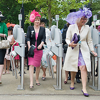 ASCOT, ENGLAND - JUNE 18:  Gates open for Lady's Day on the third day of Royal Ascot  at Ascot Racecourse on June 18, 2009 in Ascot, England.  (Photo by Marco Secchi/Getty Images)