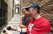 Tino Soriano shares his photographic wisdom with a student on the streets of Girona.