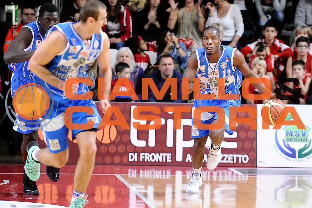 DESCRIZIONE : Varese Lega A 2014-2015 Openjob Metis Varese Banco di Sardegna Sassari<br /> GIOCATORE : Jerome Dyson<br /> CATEGORIA : palleggio<br /> SQUADRA : Banco di Sardegna Sassari<br /> EVENTO : Campionato Lega A 2014-2015<br /> GARA : Openjob Metis Varese Banco di Sardegna Sassari<br /> DATA : 26/12/2014<br /> SPORT : Pallacanestro<br /> AUTORE : Agenzia Ciamillo-Castoria/Max.Ceretti<br /> GALLERIA : Lega Basket A 2014-2015<br /> FOTONOTIZIA : Varese Lega A 2014-2015 Openjob Metis Varese Banco di Sardegna Sassari<br /> PREDEFINITA :
