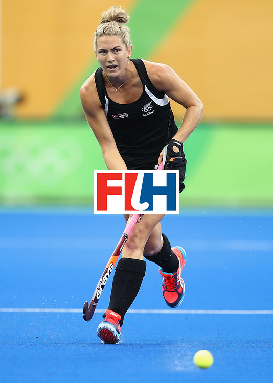 RIO DE JANEIRO, BRAZIL - AUGUST 10:  Stacey Michelsen of New Zealand dribbles the ball during the Women's Pool A Match between Spain and New Zealand on Day 5 of the Rio 2016 Olympic Games at the Olympic Hockey Centre on August 10, 2016 in Rio de Janeiro, Brazil.  (Photo by Mark Kolbe/Getty Images)