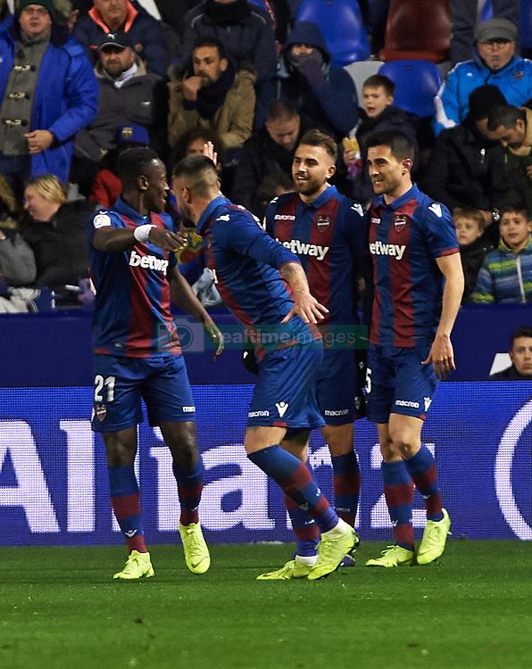 صور مباراة : ليفانتي - برشلونة 2-1 ( 10-01-2019 ) 20190110-zaa-n230-373