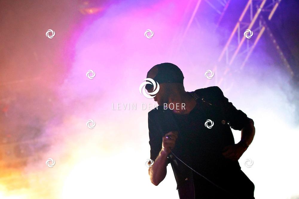 SCHIJNDEL - Paaspop 2011 is zaterdagavond afgesloten door de band Bloody Beetroots Death Crew 77. FOTO LEVIN DEN BOER - PERSFOTO.NU