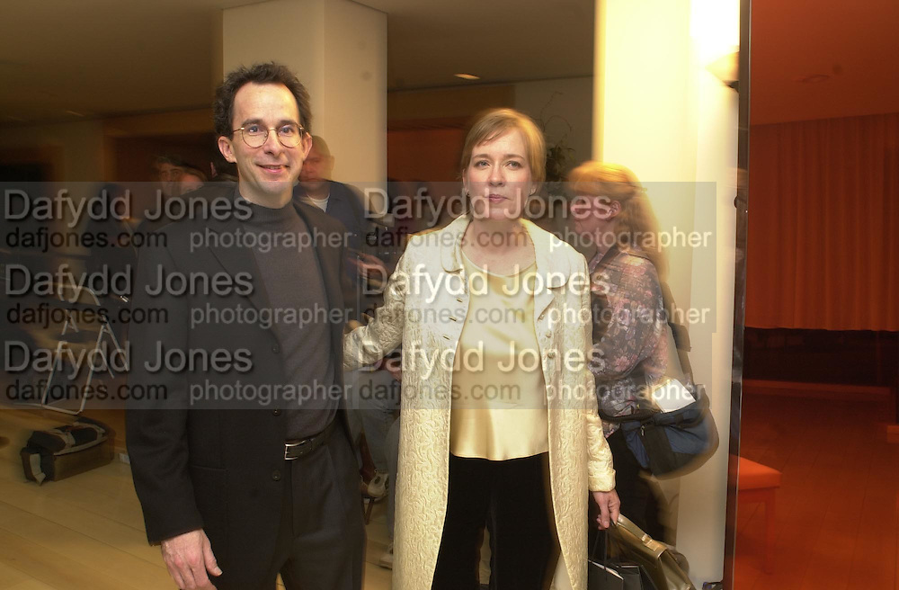 Talk pre-Golden Globes party. Mondrian Hotel. 20 January 2001. © Copyright Photograph by Dafydd Jones 66 Stockwell Park Rd. London SW9 0DA Tel 020 7733 0108 www.dafjones.com