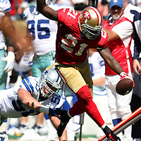 San Francisco 49ers running back Frank Gore (21) during an NFL football game between the Dallas Cowboys and the San Francisco 49ers at Candlestick Park on Sunday, Sept. 18, 2011 in San Francisco, CA.  (Photo/Alex Menendez)