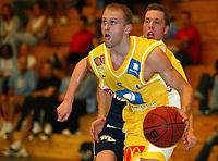 Basket - Blno. Asker Aliens mot svenske M7 Borås i Vollenhallen 13. september 2002. Patrik Sandström, Asker Aliens. <br /> <br /> Foto: Andreas Fadum, Digitalsport