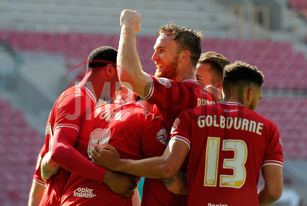 Lee Tomlin of Bristol City celebrates his goal with team mates  - Mandatory by-line: Joe Meredith/JMP - 30/04/2016 - FOOTBALL - Ashton Gate Stadium - Bristol, England - Bristol City v Huddersfield Town - Sky Bet Championship