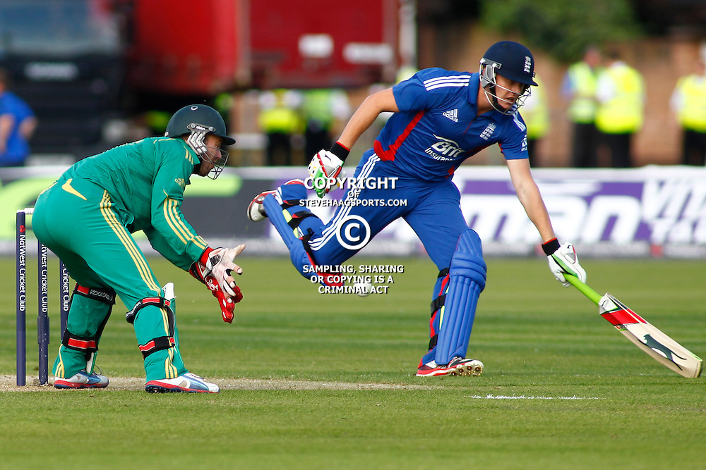 08/09/2012 Durham, England. Jonny Bairstow runs a single during the 1st Nat West t20 cricket match between  England and South Africa and played at Emirate Riverside Cricket Ground: Mandatory credit: Mitchell Gunn