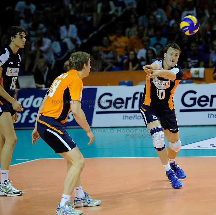 26-06-2010 VOLLEYBAL: WLV NEDERLAND - BRAZILIE: ROTTERDAM<br /> Nederland verliest met 3-1 van Brazilie / Jeroen Rauwerdink<br /> &copy;2010-WWW.FOTOHOOGENDOORN.NL