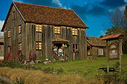 A Casa do Artesanato abriu suas portas em julho de 2005 em uma casa que originalmente pertenceu à família Dal Pizzol e estava localizada no interior de Farroupilha. O velho casarão de madeira, construído por volta de 1910 foi desmontado e reconstruído pelo atual proprietário Edemilsom Tomasi. Foto: Lucas Uebel/Preview.com