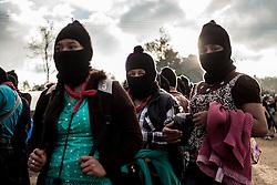 Donne zapatiste partecipano alle cerimonie del CNI, Caracol di Oventik.