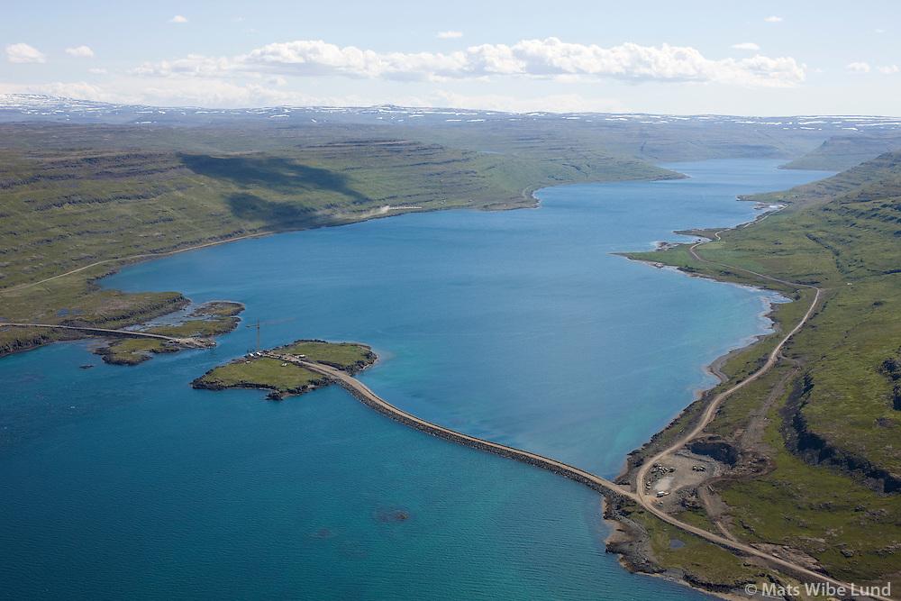 Brúar og vegagerð Mjóifjörður séð til suðurs, Súðavíkurhreppur áður Reykjarfjarðarhreppur / Bridge and roadbuilding in Mjoifjordur viewing south, Sudavikurhreppur former Reykjarfjardarhreppur