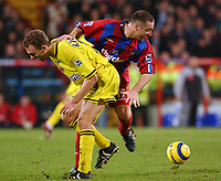 Fotball<br /> England 2004/2005<br /> Foto: SBI/Digitalsport<br /> NORWAY ONLY<br /> <br /> Barclays Premiership<br /> Crystal Palace v Charlton Athletic<br /> 5/12/2004<br /> <br /> Palace's Michael Hughes and Charlton's Dennis Rommedahl