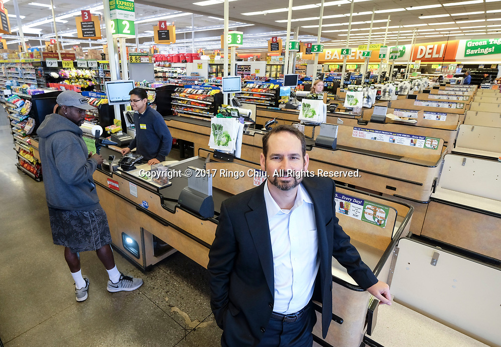 Randy Banchik, co-chief executive of Westwood Financial Corp., based in Brentwood, photographed outside Food 4 Less in Long Beach. (Photo by Ringo Chiu/PHOTOFORMULA.com)<br /> <br /> Usage Notes: This content is intended for editorial use only. For other uses, additional clearances may be required.