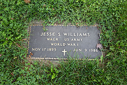 31 August 2017:   Veterans graves in Dawson Cemetery in eastern McLean County.<br /> <br /> Jesse S Williams  Wagoner  US Army  World War I  Nov 17 1895  Jun 9 1986