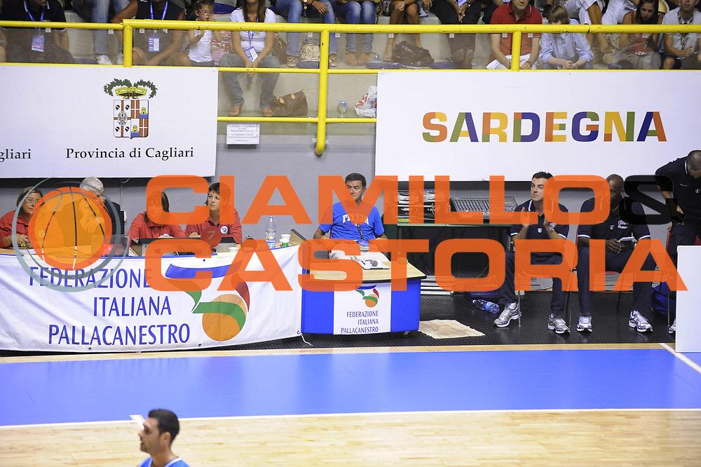DESCRIZIONE : Cagliari Eurobasket Men 2009 Additional Qualifying Round Italia Francia<br />GIOCATORE : Staff<br />SQUADRA : Italia Italy Nazionale Italiana Maschile<br />EVENTO : Eurobasket Men 2009 Additional Qualifying Round <br />GARA : Italia Francia Italy France<br />DATA : 05/08/2009 <br />CATEGORIA : ritratto<br />SPORT : Pallacanestro <br />AUTORE : Agenzia Ciamillo-Castoria/G.Ciamillo