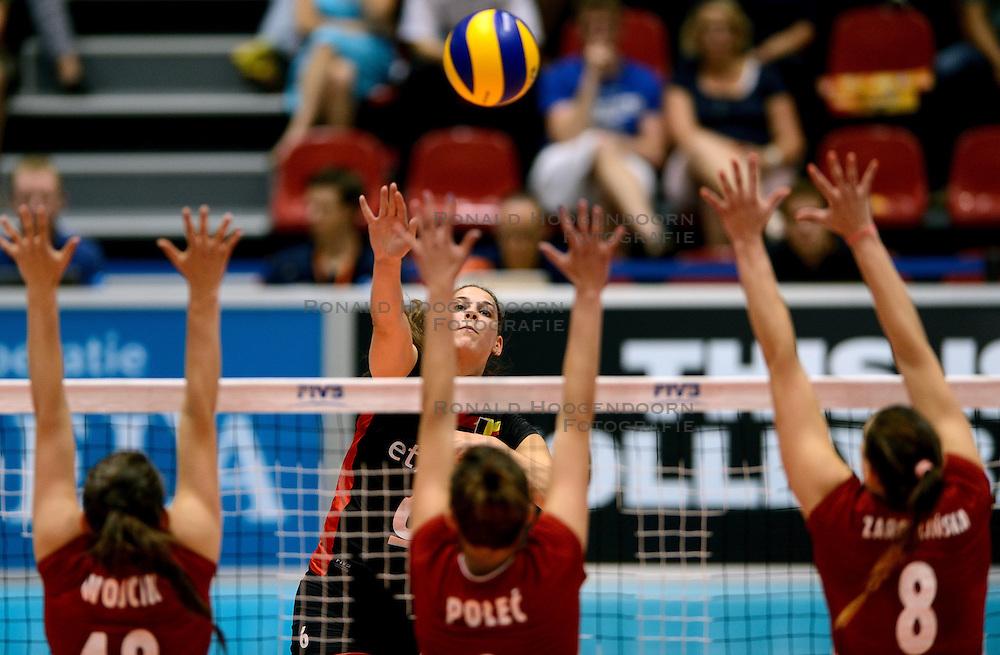 08-08-2014 NED: FIVB Grand Prix Belgie - Polen, Doetinchem<br /> Charlotte Leys