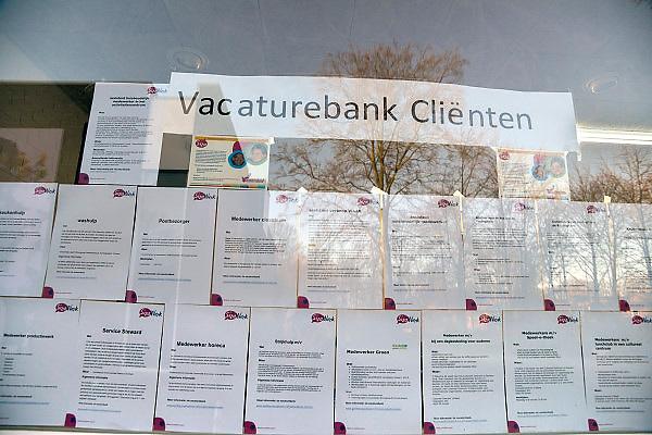 Nederland, Arnhem, 23-11-2012Vacatures voor mensen met een beperking bij de vestiging van Siza zorgbureau in Het Dorp.Foto: Flip Franssen/Hollandse Hoogte