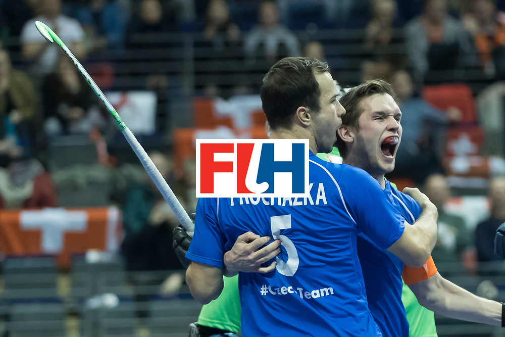 Hockey, Seizoen 2017-2018, 09-02-2018, Berlijn,  Max-Schmelling Halle, WK Zaalhockey 2018 MEN, Iran - Czech Republic 2-2 Iran Wins after shoutouts, Martin Hanus scores 1-0.