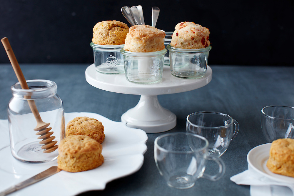 Biscuit Bar with Iced Tea