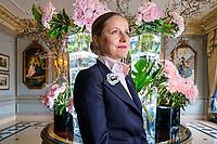l'assistante de Sonia Richard, Guest Personal Asistant at Four Seasons Geneva, Les Bergues.<br /> Gen&egrave;ve avril 2017<br /> &copy; Nicolas Righetti / Lundi13