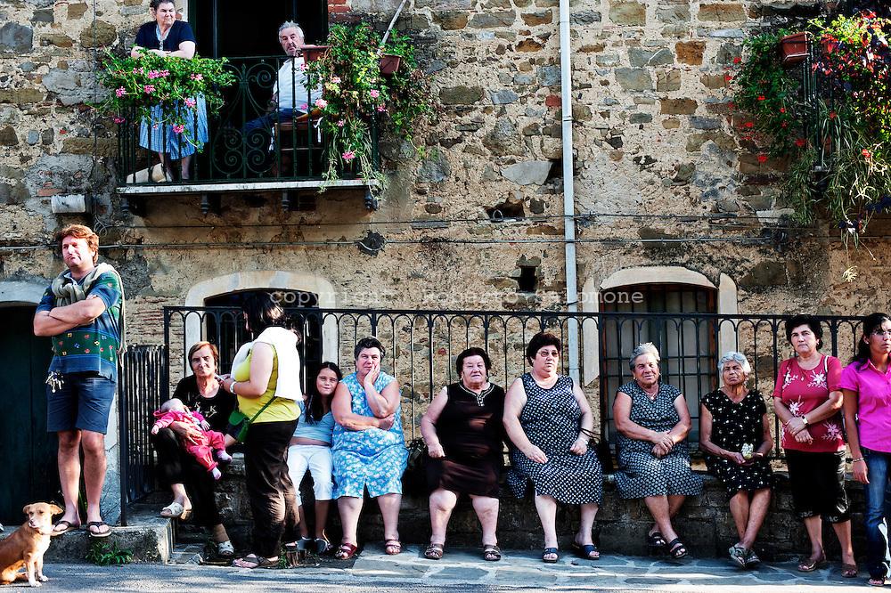 Pollica, Italia - 8 settembre 2010. Abitanti del piccolo paese di Pollica..Ph. Roberto Salomone Ag. Controluce.ITALY - Citizens of the small town of Pollica are seen on September 8, 2010.