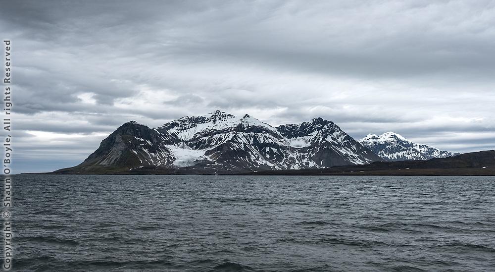 Protektorfjellet and Alkhorn Glacier