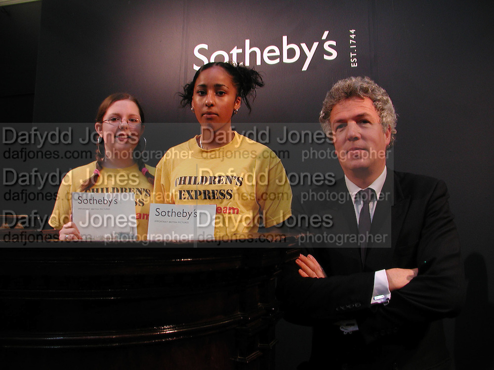 National children's art day. Carmen Kalnars with Fola Egbewde and Henry Wyndham at Sotheby's. © Copyright Photograph by Dafydd Jones 66 Stockwell Park Rd. London SW9 0DA Tel 020 7733 0108 www.dafjones.com