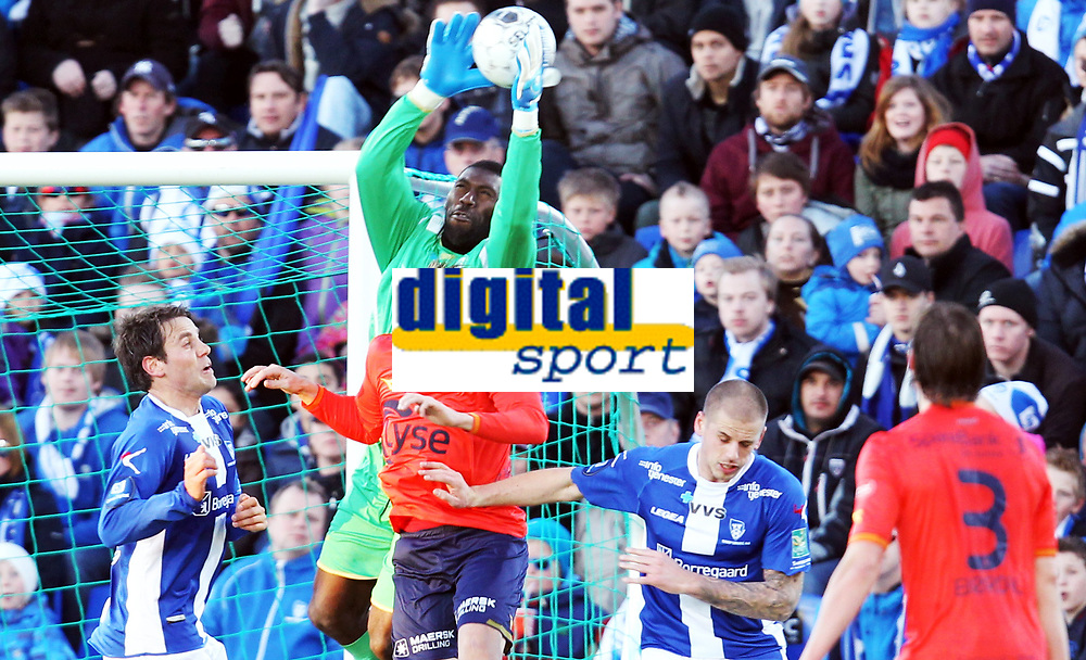 Fotball ,1. april 2013 , Tippeligaen , Eliteserien<br /> Sarpsborg - Viking 2-1<br /> Patrik Ingelsen , Viking<br /> Duwayne Kerr , Sarpsborg