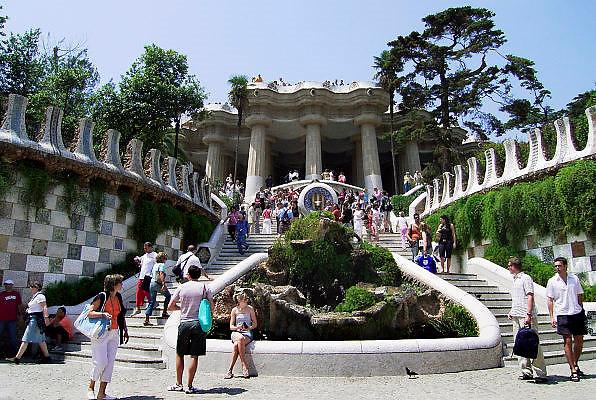 Spanje, Barcelona, 3-6-2005Ingangvan het park, parc Guell, ontworpen door GaudiFoto: Flip Franssen