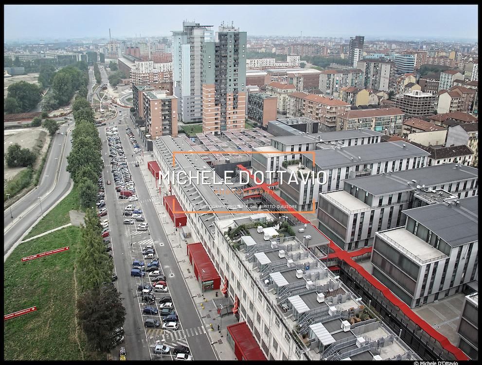 Nella fotografia il comprensorio delle ex Officine Savigliano ora trasformato in un complesso commerciale: Snos Gallery Centre.