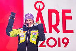 10.02.2019, Aare, SWE, FIS Weltmeisterschaften Ski Alpin, Abfahrt, Damen, Siegerehrung, im Bild Weltmeisterin und Goldmedaillengewinnerin Ilka Stuhec (SLO) // World champion and gold medalist Ilka Stuhec of Slovenia during the winner Ceremony for the ladie's Downhill competition of FIS Ski World Championships 2019. Aare, Sweden on 2019/02/10. EXPA Pictures © 2019, PhotoCredit: EXPA/ Dominik Angerer