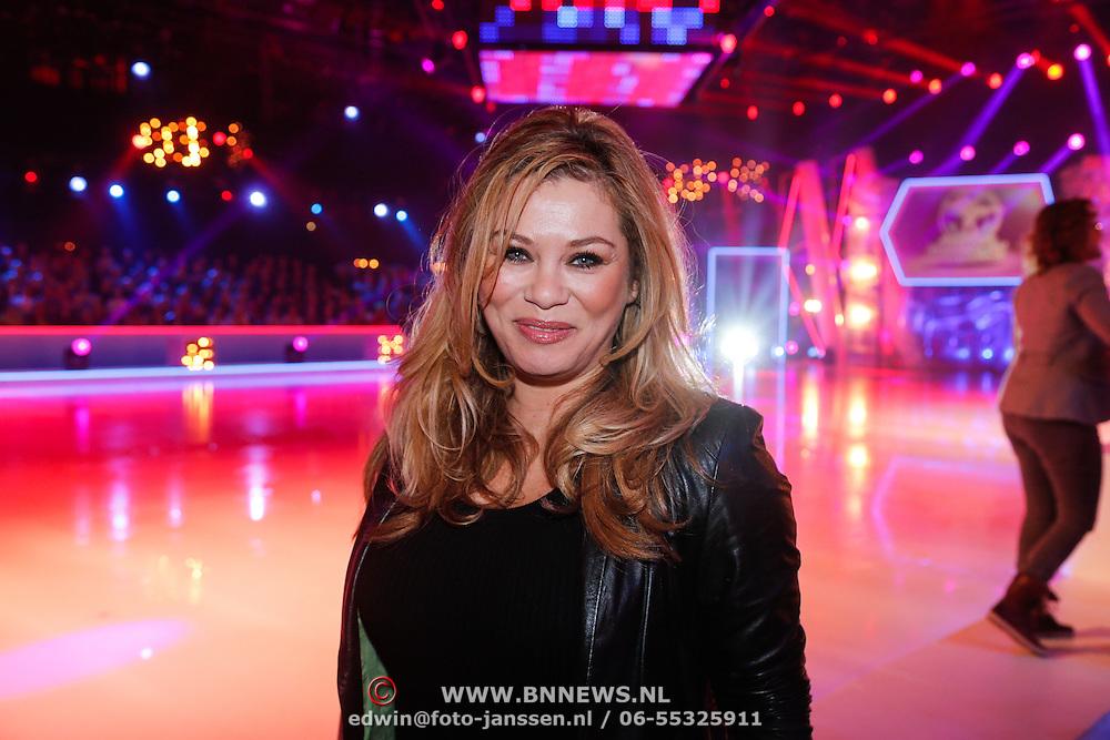 NLD/Hilversum/20130202 - 6de liveshow Sterren Dansen op het IJs 2013, Antje Monteiro