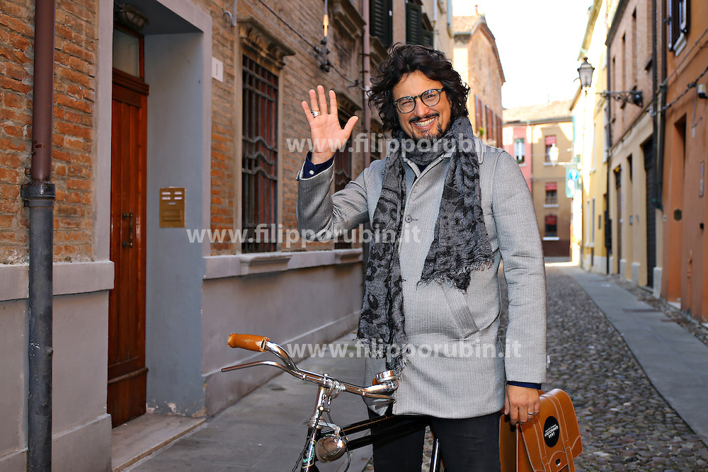 LO CHEF ALESSANDRO BORGHESE A FERRARA PER LE REGISTRAZIONI DI UN PROGRAMMA TV<br /> FERRARA 21-10-2015<br /> FOTO FILIPPO RUBIN