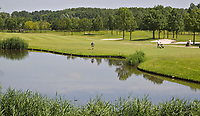 VIJFHUIZEN - Haarlemmermeersche Golf Club Leeghwater Hole 1. COPYRIGHT KOEN SUYK