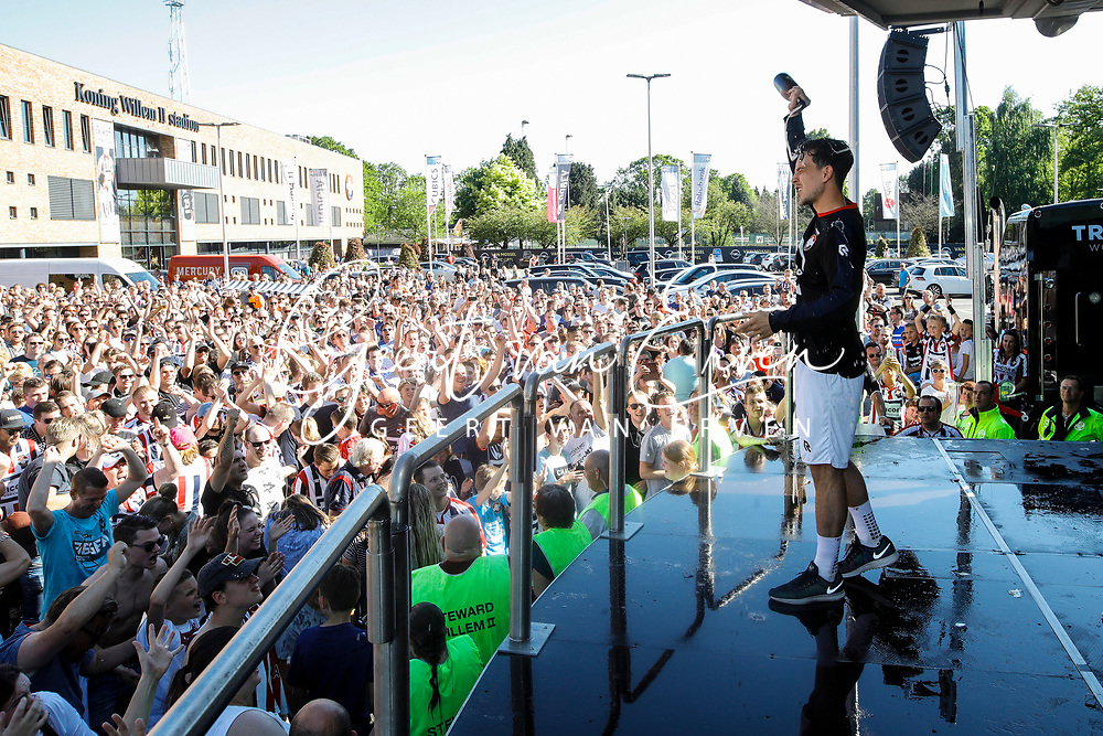 Supporters of Willem II celebrating the season with the players and staff, *Tom Haye* of Willem II