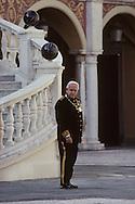 11. National holiday: The Grimaldi's in the cour d'honneur.   Fête nationale: le prince Rainier seul dans la cour d'honneur  288286/64    L921119f  /  P0000341