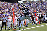 MANHATTAN, KS - SEPTEMBER 27:  Wide receiver Deon Murphy #87 of the Kansas State Wildcats catches a 12 yard touchdown pass in the first quarter against the Louisiana-Lafayette Ragin' Cajuns on September 27, 2008 at Bill Snyder Family Stadium in Manhattan, Kansas.  Kansas State defeated Louisiana-Lafayette 45-37.
