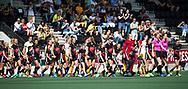 AMSTELVEEN -  line up  voor  de finale van de play-offs om de landstitel in het Wagener-stadion, tussen Amsterdam en Den Bosch (1-4).   COPYRIGHT  KOEN SUYK