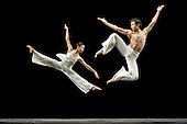 Cloud Gate Dance Company_White_2011