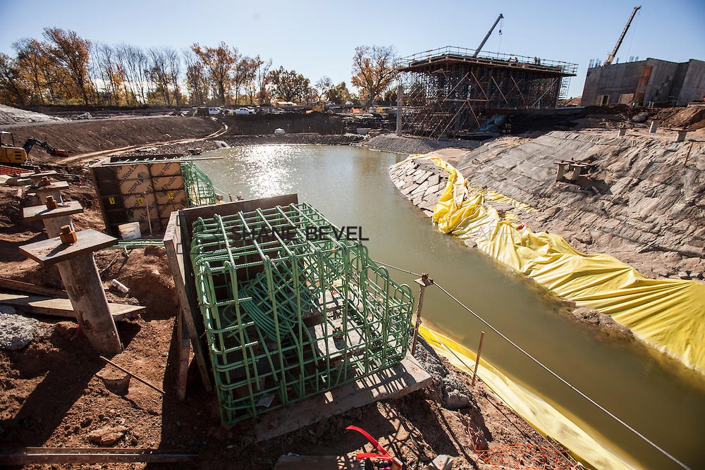 11/29/16 11:28:04 AM -- Updates to Caterpiller Bridge, One Boathouse and general views of the park. <br /> <br /> Photo by Shane Bevel