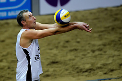 07-01-2011 VOLLEYBAL: CEV SATELLITE INDOOR BEACHVOLLEYBALL: AALSMEER<br /> The first CEV Indoor beachvolleyball tounament / Jon Stiekema/Richard Schuil (photo) goes to the third round. They beat Austria (2-0) and Turkey (2-1)<br /> ©2011-WWW.FOTOHOOGENDOORN.NL