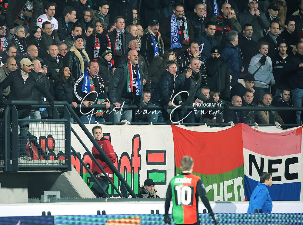 18-02-2009: voetbal: NEC - Hamburger SV: Nijmegen: UEFA Cup<br /> Het vak waaruit de muntjes naar de scheidsrechter werd gegooid