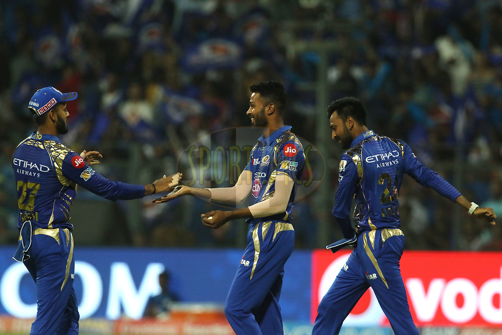 Mumbai Indians players celebrates the wicket of Robin Uthappa of the Kolkata Knight Riders during match 7 of the Vivo 2017 Indian Premier League between the Mumbai Indians and the Kolkata Knight Riders held at the Wankhede Stadium in Mumbai, India on the 9th April 2017<br /> <br /> Photo by Vipin Pawar - IPL - Sportzpics