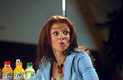 08-03-2006 WIELRENNEN: TEAMPRESENTATIE AA CYCLINGTEAM: ALPHEN AAN DE RIJN<br /> Leontien Zijlaard van Moorsel<br /> Copyrights: WWW.FOTOHOOGENDOORN.NL