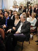 Catherine Bailey and David Bailey. Talk with Manolo Blahnik. Institue of Cervantes. Eaton Sq. 4 April 2002. © Copyright Photograph by Dafydd Jones 66 Stockwell Park Rd. London SW9 0DA Tel 020 7733 0108 www.dafjones.com
