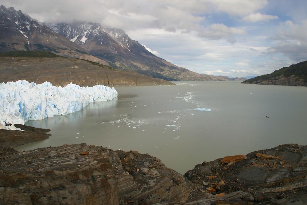 The Gray Glacier in Torres Del Paine National Park, Jan. 19, 2004. Daniel Beltra/Greenpeace.