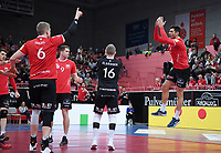 Volleyball 1. Bundesliga  Saison 2018/2019 TV Rottenburg - Volleyball Bisons Buehl    15.12.2018 JUBEL TV Rottenburg; Idner Faustino Lima Martins mit dem Ronaldo Jubel Sii mit Johannes Elsaesser, Tim Grozer und Friederich Nagel (v.re.)