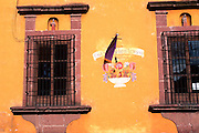 MEXICO, SAN MIGUEL ALLENDE colonial windows near El Jardin plaza