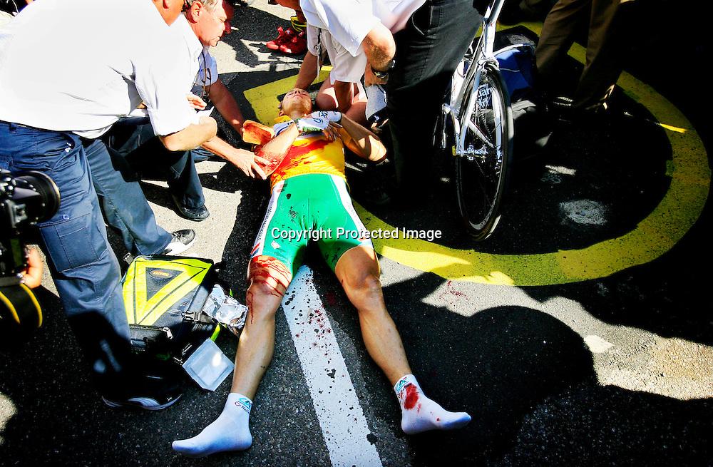 20060602. Strasbourg. Thor Hushovd ble skadet i innspurten på den første etappen i Tour de France..Foto: Daniel Sannum Lauten/ Dagbladet
